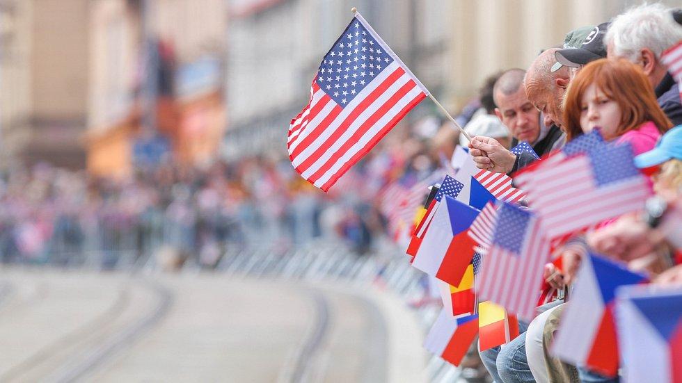 Nedělní přehlídkou Convoy of Liberty vyvrcholily Slavnosti svobody v Plzni.