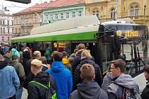 Studenti pomáhali 18. prosince testovat trolejbusovou linku číslo 19 v Plzni.