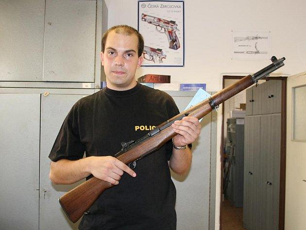 Americká samonabíjecí puška M1 Garand