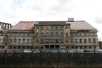 Bývalé městské lázně na Denisově nábřeží