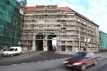 Úpravy za 54 milionů korun začaly v těchto dnech rekonstrukcí Kroftových domů
