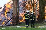 požár seník stodola seno zemědělství škoda hasiči