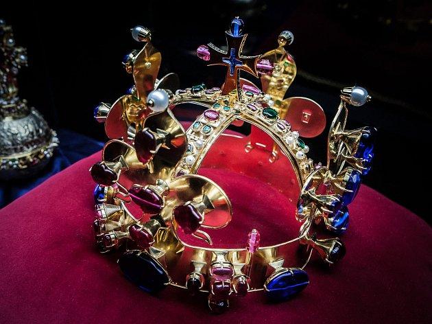 Replika Svatováclavské koruny z Karlštejna.