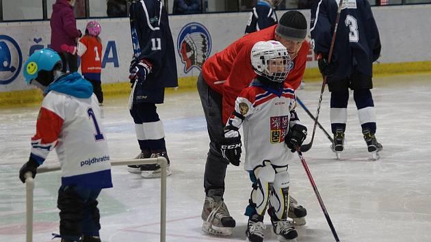 Mladí hokejisté se minulý týden zúčastnili již tradiční akce Týden hokeje. Kromě Malé haly v Plzni proběhla akce i v Plzni na Kooperativě a na zimním stadionu v Třemošné.