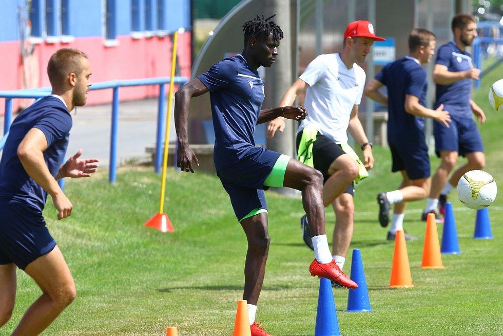 Senegalský záložník Modou Ndiaye na prvním tréninku v Plzni.