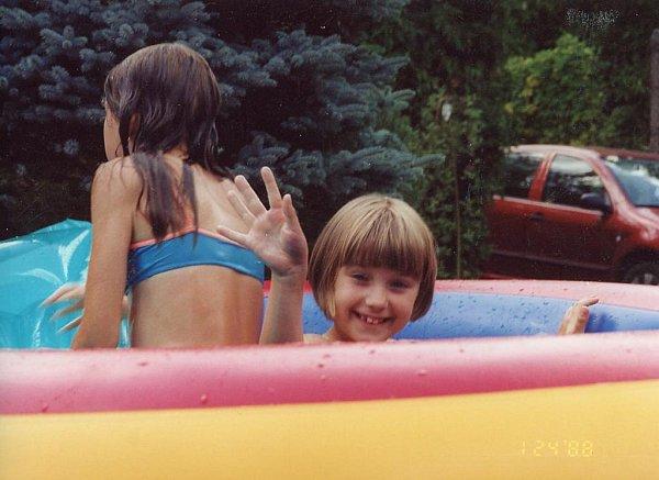 Snímek je zLitic, kam Karolína Žitková jako malá často jezdila iskamarádkami