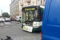 Nehoda trolejbusu a dodávky v Koperníkově ulici
