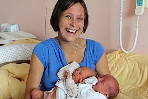 Vilém a Viola Marunovi se narodili 7. září rodičům Kateřině a Luďkovi z Útušic. Vilém přišel na svět ve 14:28, vážil 3200 gramů a měřil 49 centimetrů. Violka se narodila o 8 minut později, vážila 2900 gramů a měřila 48 centimetrů.