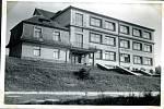 Základní škola v Kaznějově v roce 1940.