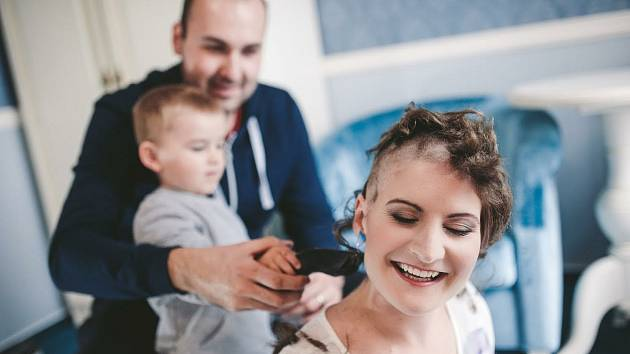 Mladé mamince Šárce z Plzně lékaři před dvěma lety diagnostikovali Hodgkinův lymfom.
