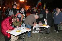 Plzeňané podepisují petici proti radarové základně