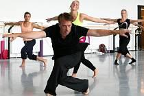Neworský tanečník a choreograf Joey Doucette strávil týden v ČR, kam jej pozvala Petra Parvoničová.
