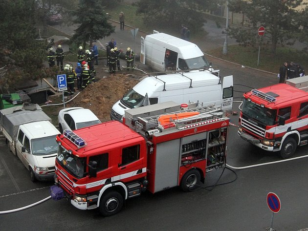 Výbuch plynu na Lochotíně zranil sedm dělníků