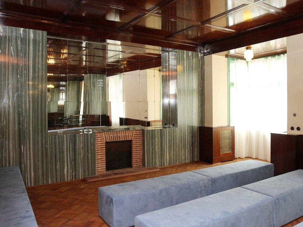 Loosovy interiéry