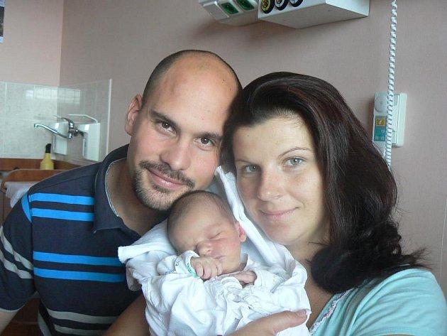 Gabriele Pokladníkové a Tomáši Bažantovi zPlzně se 28. srpna ve 13.03 hod. narodila ve FN prvorozená dcera Karla (3,06 kg, 49 cm)