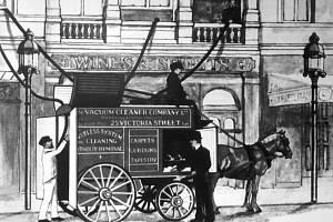 Boothův benzinový vysavač.