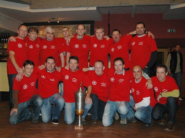 V Saloonu na Roudné se konalo slavnostní zakončení 30. ročníku soutěže fotbalových seniorů
