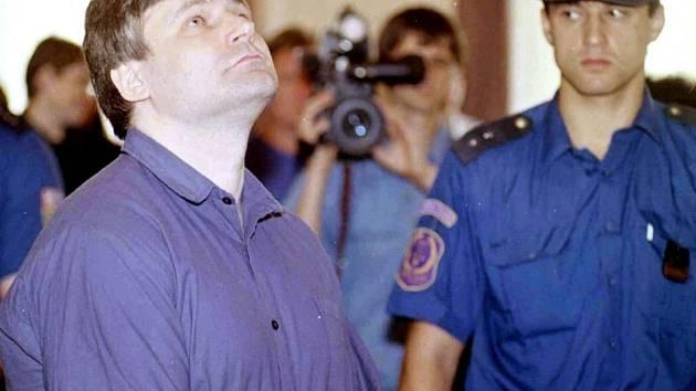 Jiří Kajínek na snímku z června roku 1998, kdy byl odsouzen na doživotí. Tehdy mu bylo 37 let.