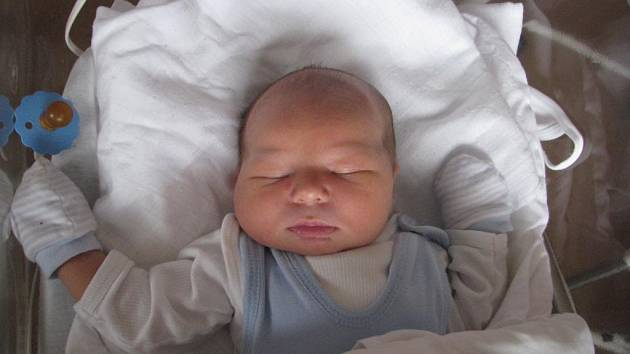 Václav (3,69 kg, 53 cm) se narodil 20. října v 15:01 ve plzeňské fakultní nemocnici. Ze svého prvorozeného syna se radují maminka Monika Zahradníková a tatínek Václav Zahradník z Plzně