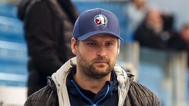 Petr Vojan (na snímku) připravuje juniory na novou náročnou sezonu, která bude oproti předchozím sestupová.