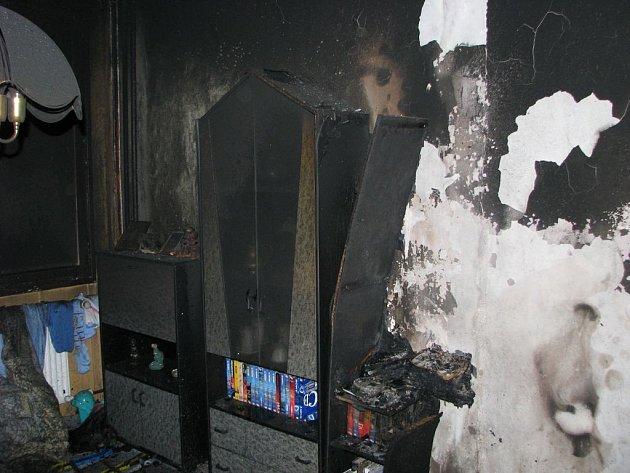 Požár poškodil byt v Kaznějovské ulici.