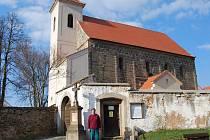 Stanislav Klouček, současný klíčník kostela sv. Mikuláše, vždy rád provede turisty stavbou