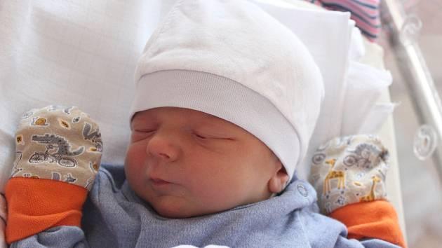 Václav Růžek se narodil 3. března v 1:05 rodičům Kláře a Václavovi z Jarova. Po příchodu na svět ve FN na Lochotíně vážil jejich prvorozený chlapeček 3600 gramů a měřil 52 centimetrů.