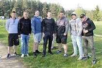 Fotbalisté Sokola Kozojedy sledovali svého nedělního televizního soupeře ve Vysoké Libyni v utkání s Hadačkou.