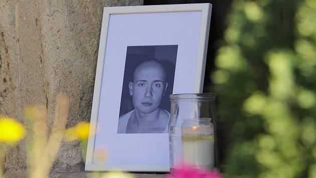 Patrik Štěpánek zemřel v Afghánistánu, v Mokrouších vzniklo pietní místo