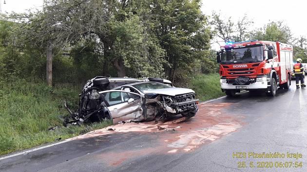 Nehoda mezi Starým Plzencem a Šťáhlavy.