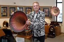 Výstava gramofonů Milana Nedobilského
