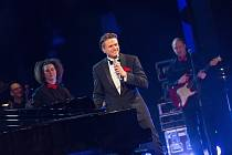 Ondřej Gregor Brzobohatý s hosty vystoupí v rámci Universum Tour 2017 v plzeňské Měšťanské besedě 10. dubna