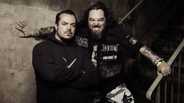 Zakladatelé Sepultury bratři Max (vpravo) a Iggor Cavalerovi
