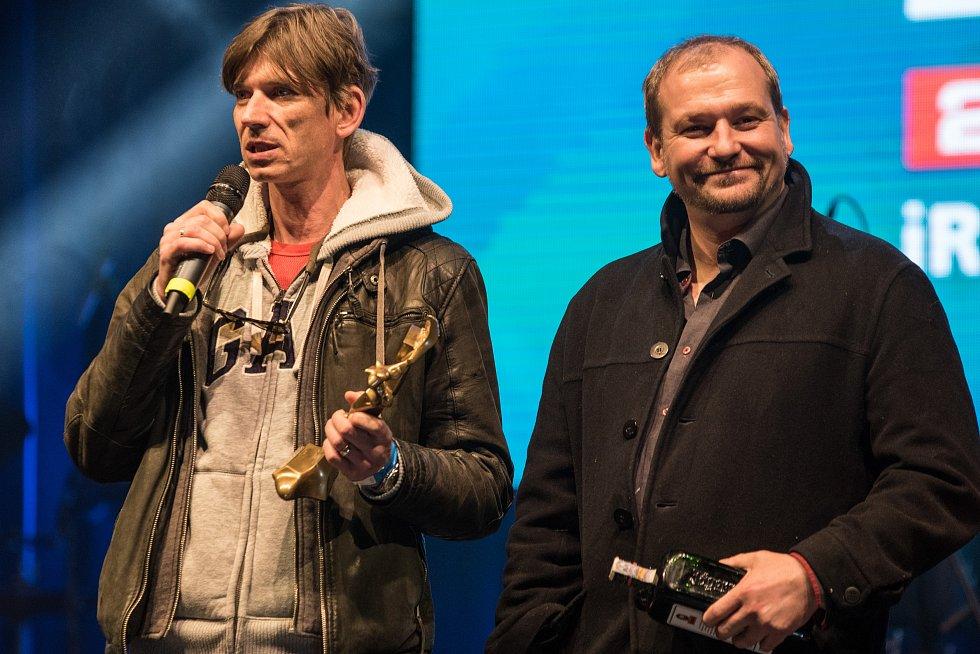 V kategorii film jasně dominoval snímek Anděl Páně 2. Cenu si převzal režisér Jiří Strach.