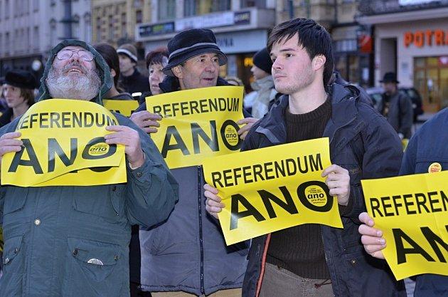 V referendu hlasuji ano, řeklo na 150 Plzeňanů