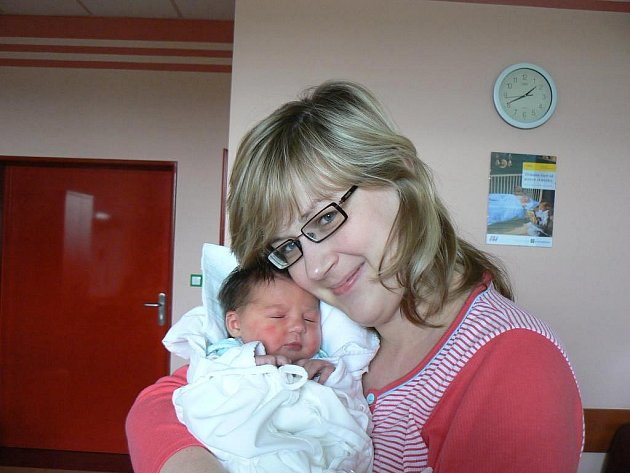 Ve fakultní nemocnici se 12. října v8:19 hod. narodila holčička Natálka (3,51 kg, 48 cm), která je prvorozenou dcerou Michaely a Davida Boušových zPlzně