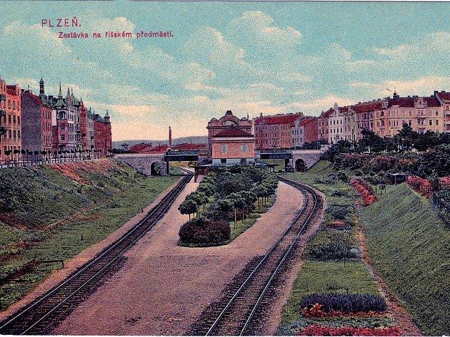 Jižní předměstí a zeleň není takový protimluv, jak se může zdát. Parkovou úpravu na opačné straně části, kterou se zabývá studie, ukazuje dobový kolorovaný pohled z počátku 20. století