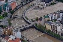Povodně v Plzni z leteckého pohledu.