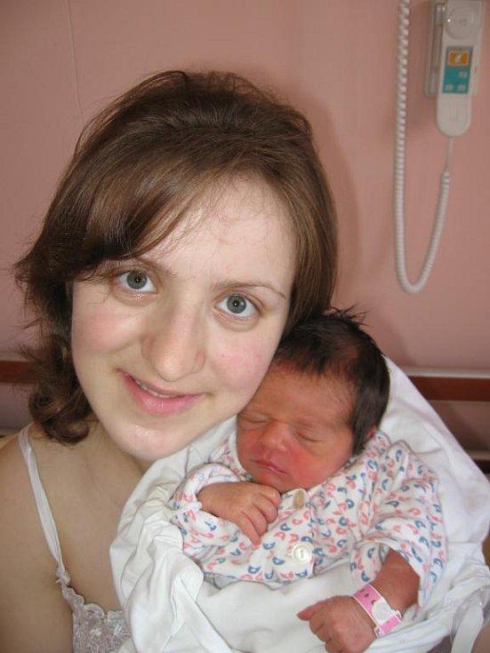 Marii a Juraji Zubachovým zPlzně se 30. května v15.14 hod. narodila ve FN vPlzni prvorozená dcera Sorina (2,65 kg/46 cm), na kterou se moc těší její prarodiče na Zakarpatské Ukrajině