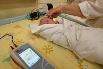 Vyšetření sluchu u miminek ve stodské nemocnici