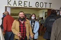 Újezd u Svatého Kříže - otevření muzea Karla Gotta.