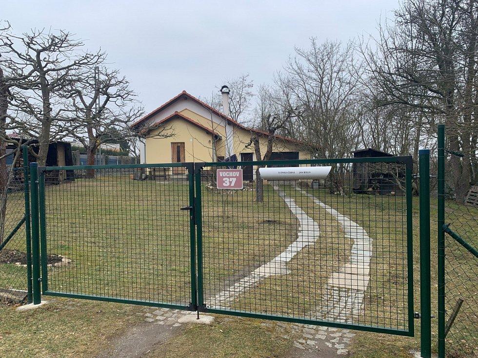 Domek ve Vochově, kde došlo ke střelbě.