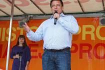 Předseda ČSSD přijel do Plzně představit kandidáty do evropských voleb.