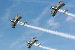 Den ve vzduchu s Plzeňským krajem na letišti v Plasích. Bavarian Bücker Formation – Skupinové létání historických letadel Bücker Bü-131 Jungmann