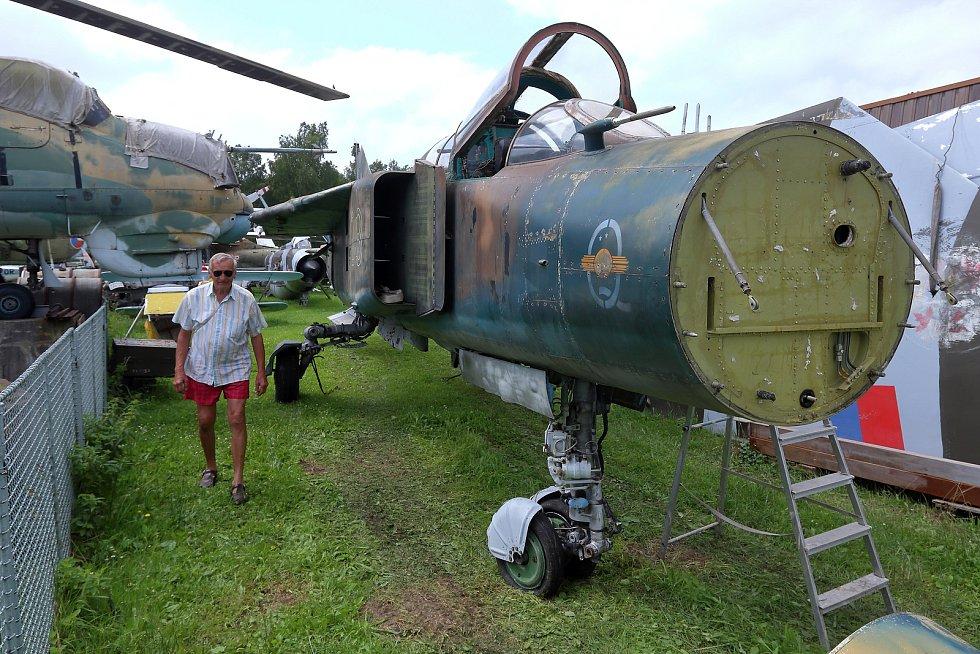 Jedná se o stroj z armády NDR, který Miloš Tarantík objevil a zakoupil u sběratele v Holandsku.