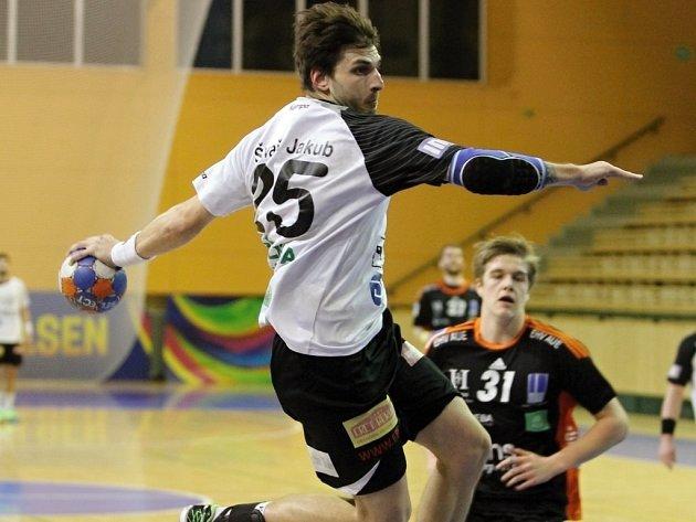 Házenkář Jakub Škvařil (na snímku) přišel do Plzně z Lovosic před sezonou 2013/14 a hned vtomto ročníku se mohl s Talentem radovat ze zisku mistrovského titulu.