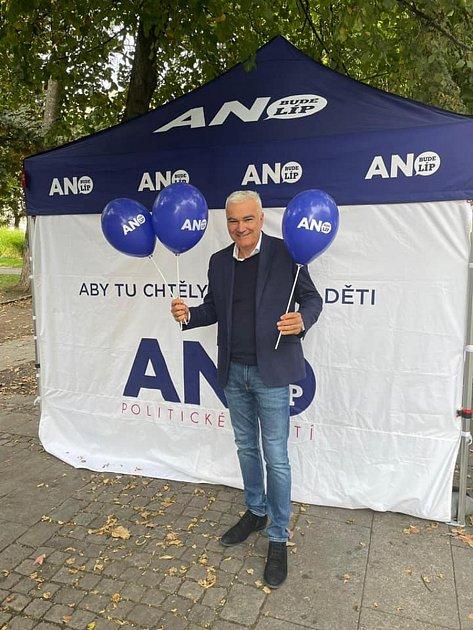Kamal Farhan (ANO), na kandidátní listině č. 3 - Plzeň, 52let - lékař, od října 2017poslanec a zastupitel města Plzně