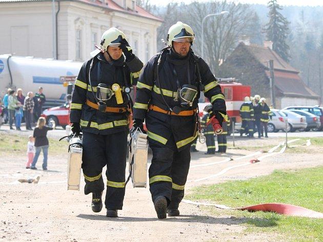 V plaském klášteře se konalo velké tematické hasičské cvičení