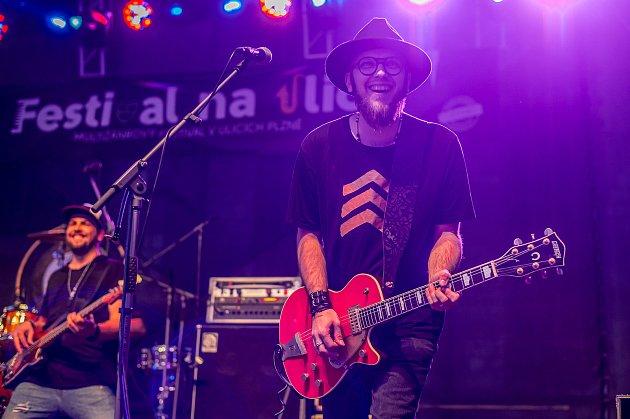 Kytarista Martin Zakkiss Juha při křtu CD Můj Táta Dědek.