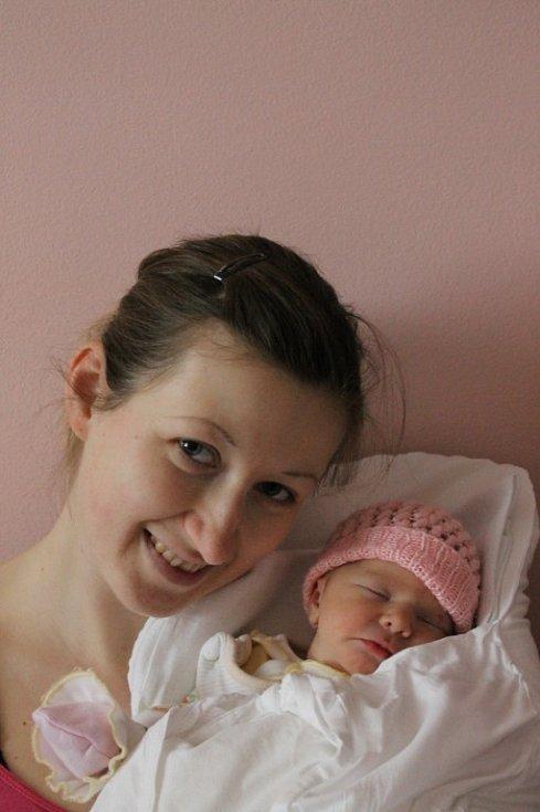 Adélka (3,45 kg, 49 cm) se narodila 2. dubna v 9:12 ve Fakultní nemocnici v Plzni mamince Andree Zemanové a tatínkovi Petru Zemanovi z Plzně Radobyčic. Doma na sestřičku čeká Rostík (2 a tři čtvrtě)